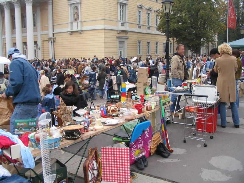 Karolinenplatz-Flohmarkt @ Karolinenplatz